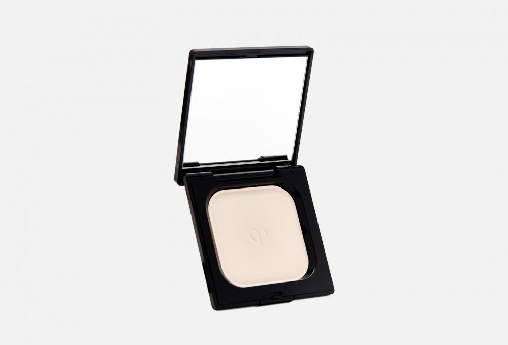 Выравнивающая компактная пудра CLE DE PEAU BEAUTE Refining Pressed Powder 5 мл пуховка для прозрачной рассыпчатой пудры cle de peau beaute puff translucent loose powder 1 мл