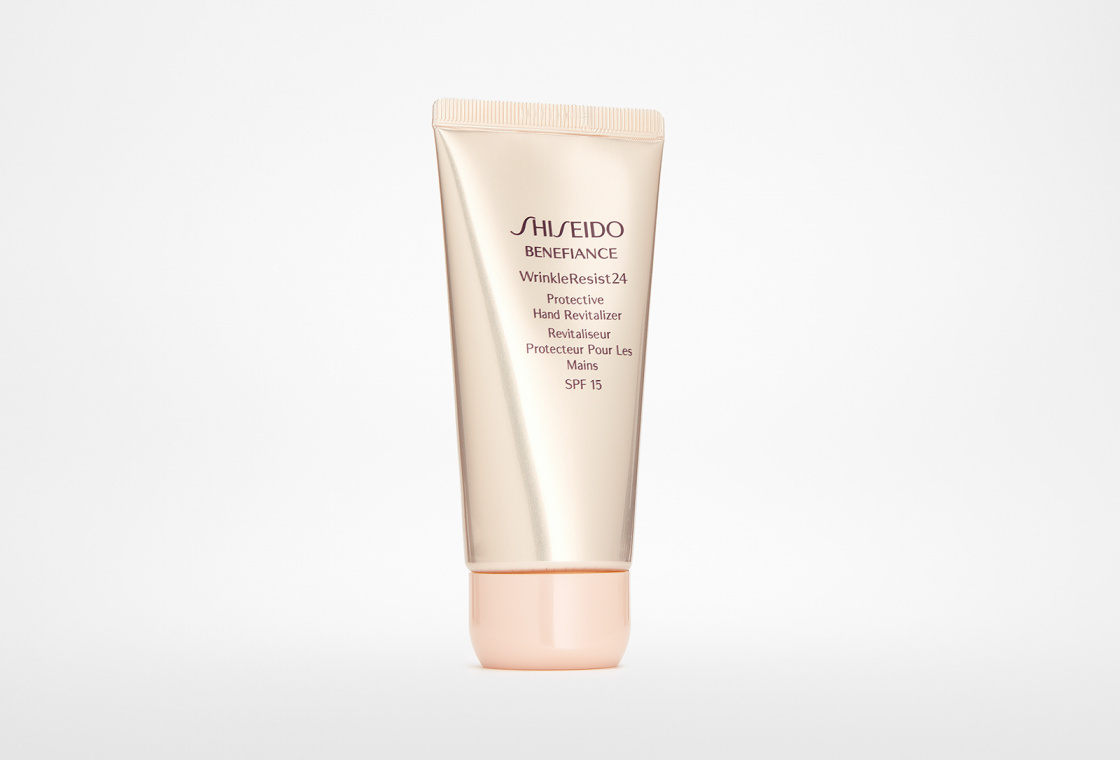 Восстанавливающий крем для рук SPF15 Shiseido Benefiance Wrinkleresist24 Protective Hand Revitarizer
