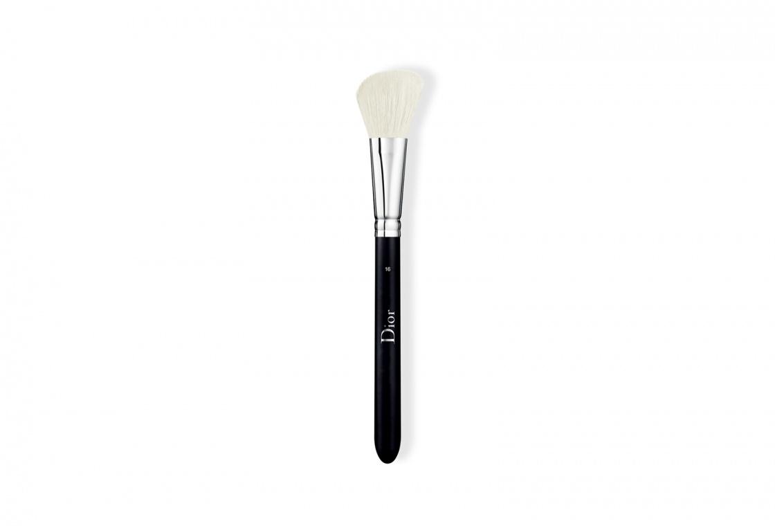 Кисть для румян Dior Backstage Blush Brush №16