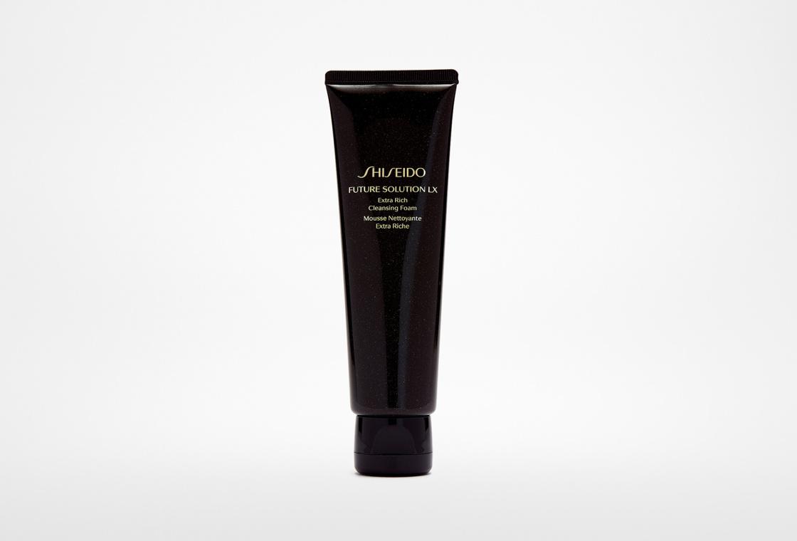 Обогащенная очищающая пенка Shiseido Future Solution Lx Extra Rich Cleansing Foam E