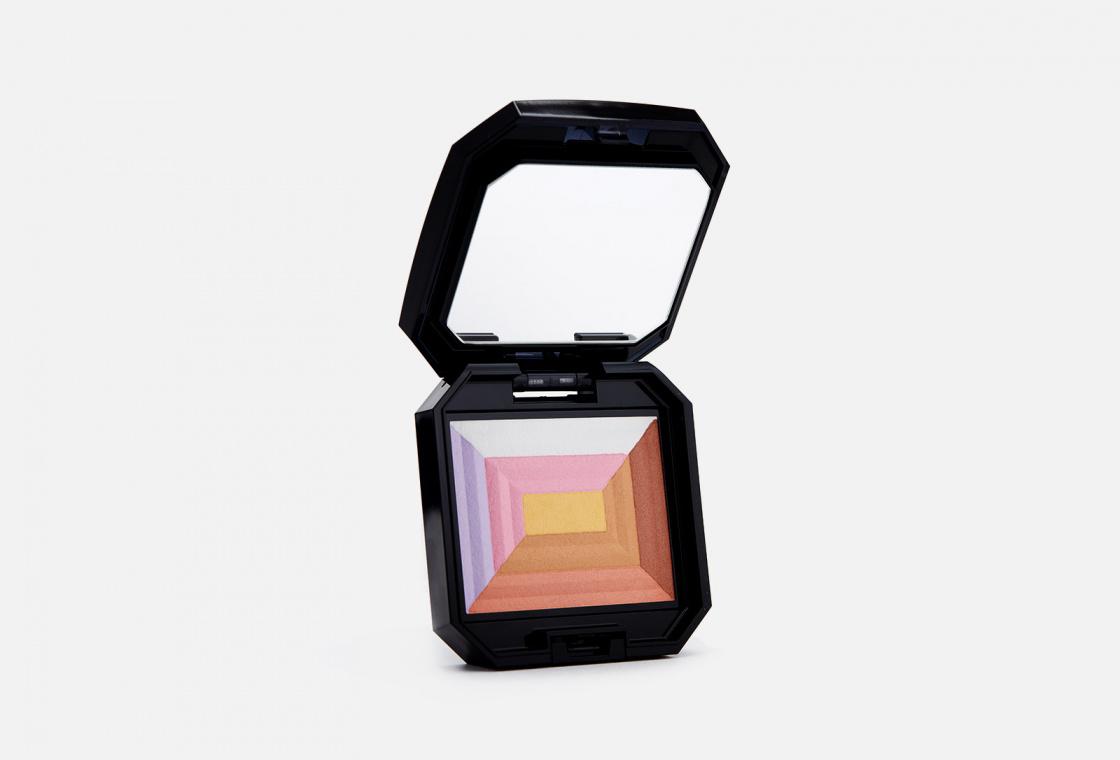 Компактная пудра c эффектом сияния «7 цветов» Shiseido 7 Lights Powder Illuminator