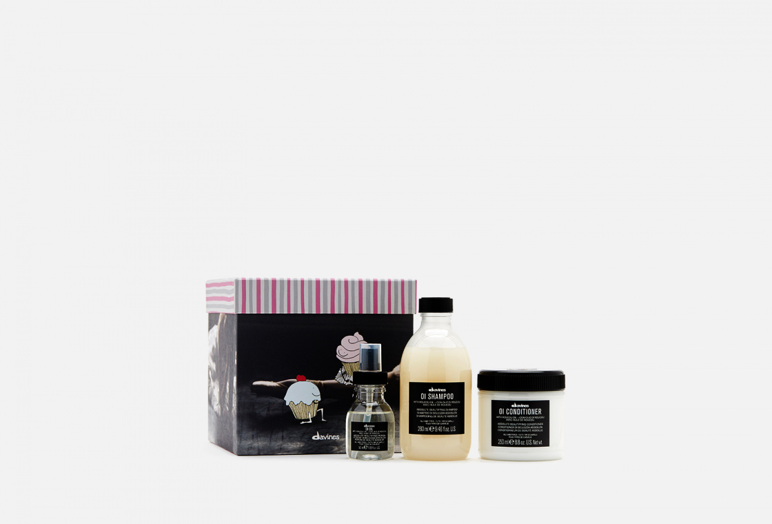 Набор для абсолютной красоты всех типов волос Davines OI GIFT BOX